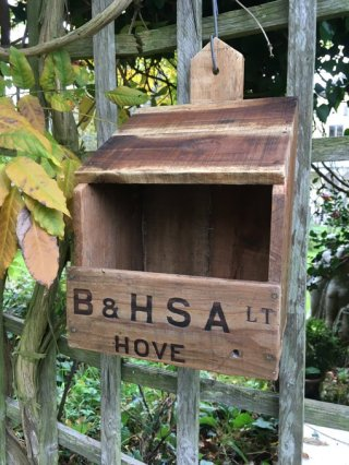 reclaimed crates robin's nestbox